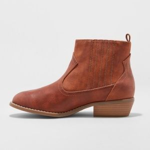 Cognac Western faux leather booties